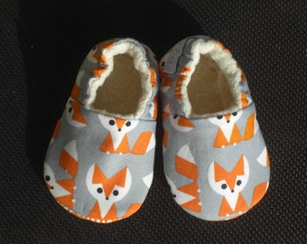 Baby shoes,Soft Sole Baby moc , Fox Baby Shoes, Baby Slippers, Eco-Friendly baby, crib shoes, Organic baby , toddler shoes, moccs, fox print