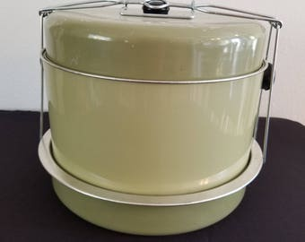Green Metal Cake/Pie Carrier