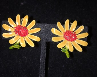 Vintage Yellow Daisy Clip Earrings
