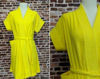 Vintage Yellow Robe Terry Cloth Short Women's Juniors Small 60s 70s Bright Yellow