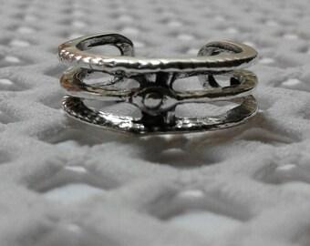 3 Ring Eye .~TOE RING~. Zinc/Copper/Oxidized Silver Finish (Adjustable)