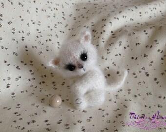 Amigurumi crochet (hook) knitted plush toy fluffy kitten