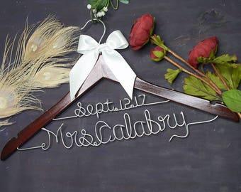 Personalized Gifts | Personalized Wedding Hanger | Bridal Hanger | Gift for Bride | Custom Made Hangers | Shower Gift | Wedding Dress Hanger