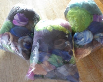 SALE Hope jacare - SCRAP Pack 2 - 300g mostly hand dyed wool tops/fleece