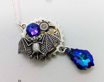 steampunk - steampunk necklace - gothic - gothic necklace - bat necklace - gothic jewellery - vampire necklace - dracula - dracula necklace