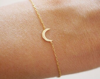 Crescent Moon Bracelet | Gold Moon Bracelet | Dainty Moon Bracelet