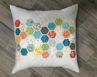 Handmade Pillow | Hexagon Pillow | Quilted Pillow | Decorative Pillow | Throw Pillow | Modern Quilted Pillow
