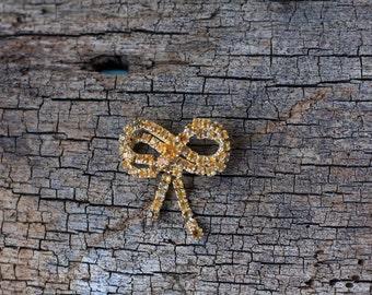 Vintage Gold Bow Brooch