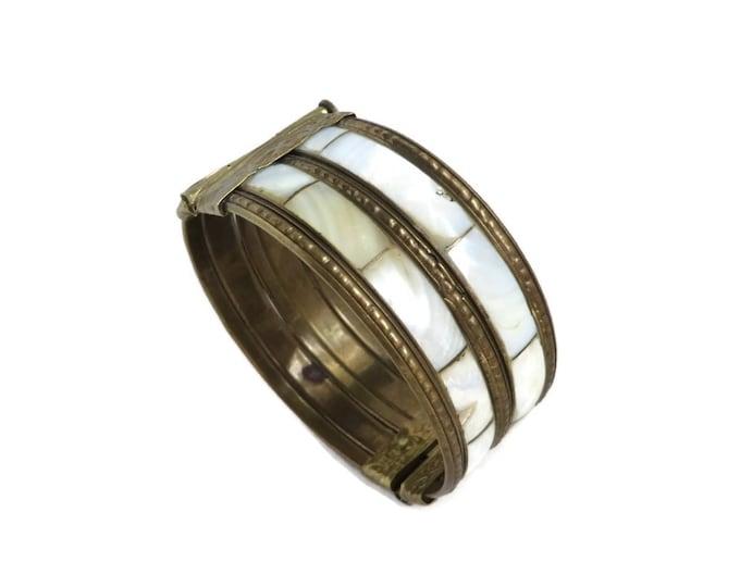 MOP Bracelet, Vintage Brass Bangle, Wide MOP Bangle, Mother of Pearl Bracelet, Boho Bangle Hippie Jewelry
