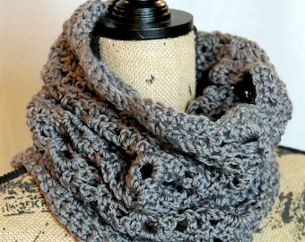 Squishy Lace Cowl - Med Gray