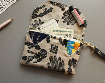 Cactus Wallet. Waxed canvas wallet. Phone holder. Vegan wallet. Southwestern style. Geometric print.Desert lovers.Cactus print.Clutch/wallet