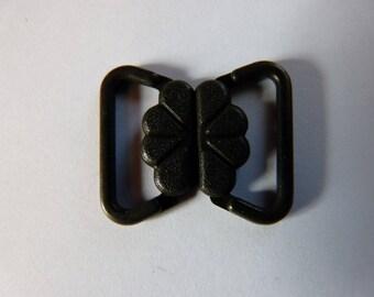 1 hook for black bra straps