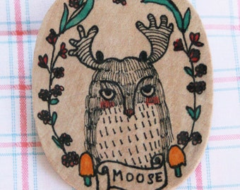 Wooden Brooch Oval - Hand Painted Illustration