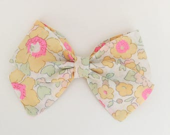 Sweetest floral liberty of london Reagan bow