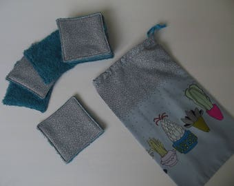 set of 10 wipes black blue bubbles 10 x 10 with goodies