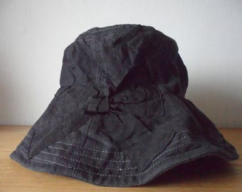 Barairo no Boushi Wide Brim Bucket Hat in Black