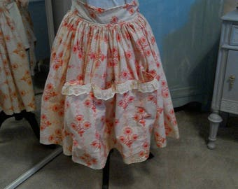 Vintage Half Apron. Georgous Apron, very full With Pretty Red Flowers.