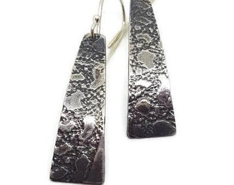 Lace roll printed earrings