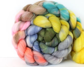 Lords & Ladies 6 oz Merino softest 19.5 micron Roving Top for spinning