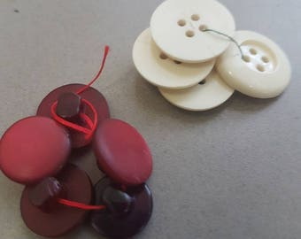 2 lots of small plastic vintage buttons in good vintage condition
