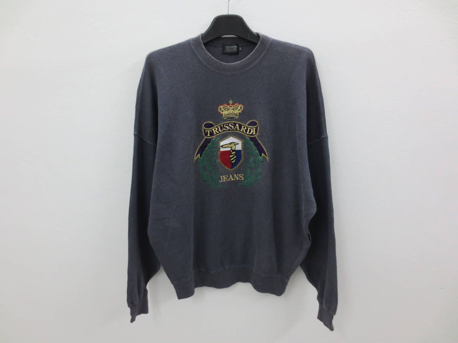Rare!! Vintage TRUSSARDI Jeans Men Clothing Sweatshirt Pullover Jumper Embroidery Spellout Logo Green Colour Large Size KExv81mGBJ