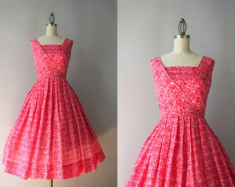 1950s Dress / Vintage 50s Pink Floral Cotton Sundress / 1950s New Look Full Skirt Red Floral Dress small S/M small/medium