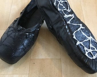 Black Spider Handcrafted Pointe Shoes