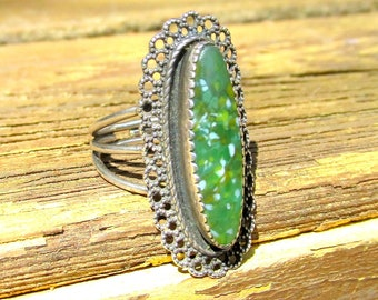 Sterling Silver Ring with Green Cabochon - VINTAGE - Adjustable Band size 6