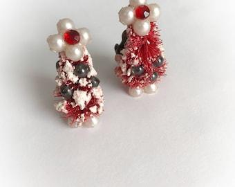 Vintage Kitsch Christmas Tree Earrings Clip On