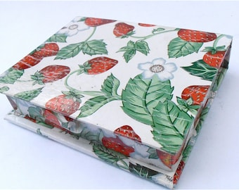 Vintage Strawberry Cardboard Box Patch Stationery Red Fruit White Green Kawaii Carton Small Storage Novelty Trinket Multi Purpose Gift Case