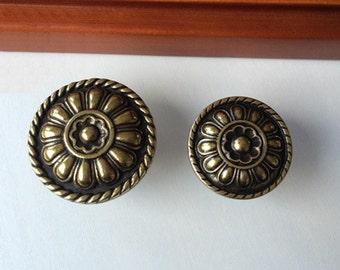 Vintage Style Drawer Knobs Pulls Antique Bronze Dresser Knobs Handles Metal Rustic Cabinet Knobs Pull Handles Furniture Restoration Hardware