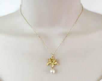 Lotus Necklace, Dainty Necklace, Minimal Necklace, Flower Necklace, Bridal Necklace, Bridesmaid Necklace, Pearl Necklace, Wedding jewelry,