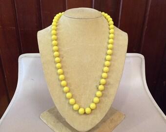 LEMON DROPS // Single Strand Circle Bead 1980s Necklace