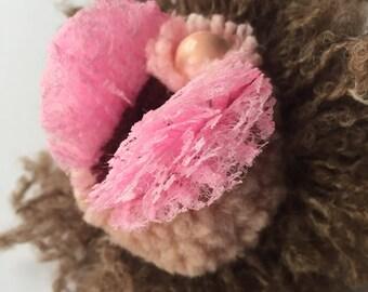 Tanzy, a lace labia pompom vulva