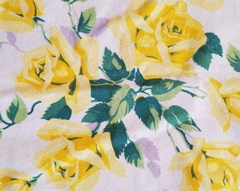 SALE!!  Vintage Wilendure Yellow Rose Roses Tablecloth, Luncheon or Tea Sized, Authentic, Labeled