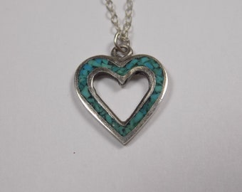 Beautiful sterling silver green blue inlay heart pedant with 16 inch sterling chain