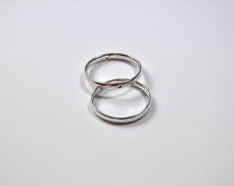 AP11 - Set of 2 rings drilled in the Center in silver