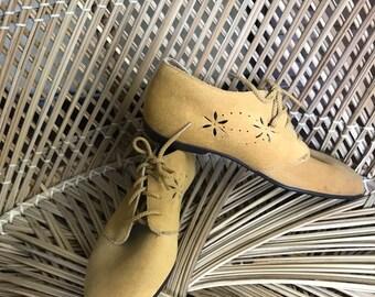 Dead stock Vintage Village Creek Tan Suede Oxford Shoes