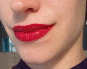 Marilyn--Cherry-Red Eliza Vintage-Color Lipstick
