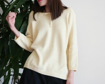 Light Yellow Knitted Top / Off The Shoulder Knitted Top / Vintage Knitted Top / 90's Straw Colored Sweater Top / 90s Sweater Top / Small Top