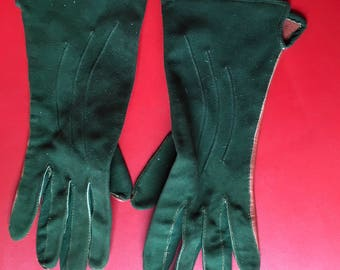 Two colours green and russet suede leather utility war time ladies gloves CE mark
