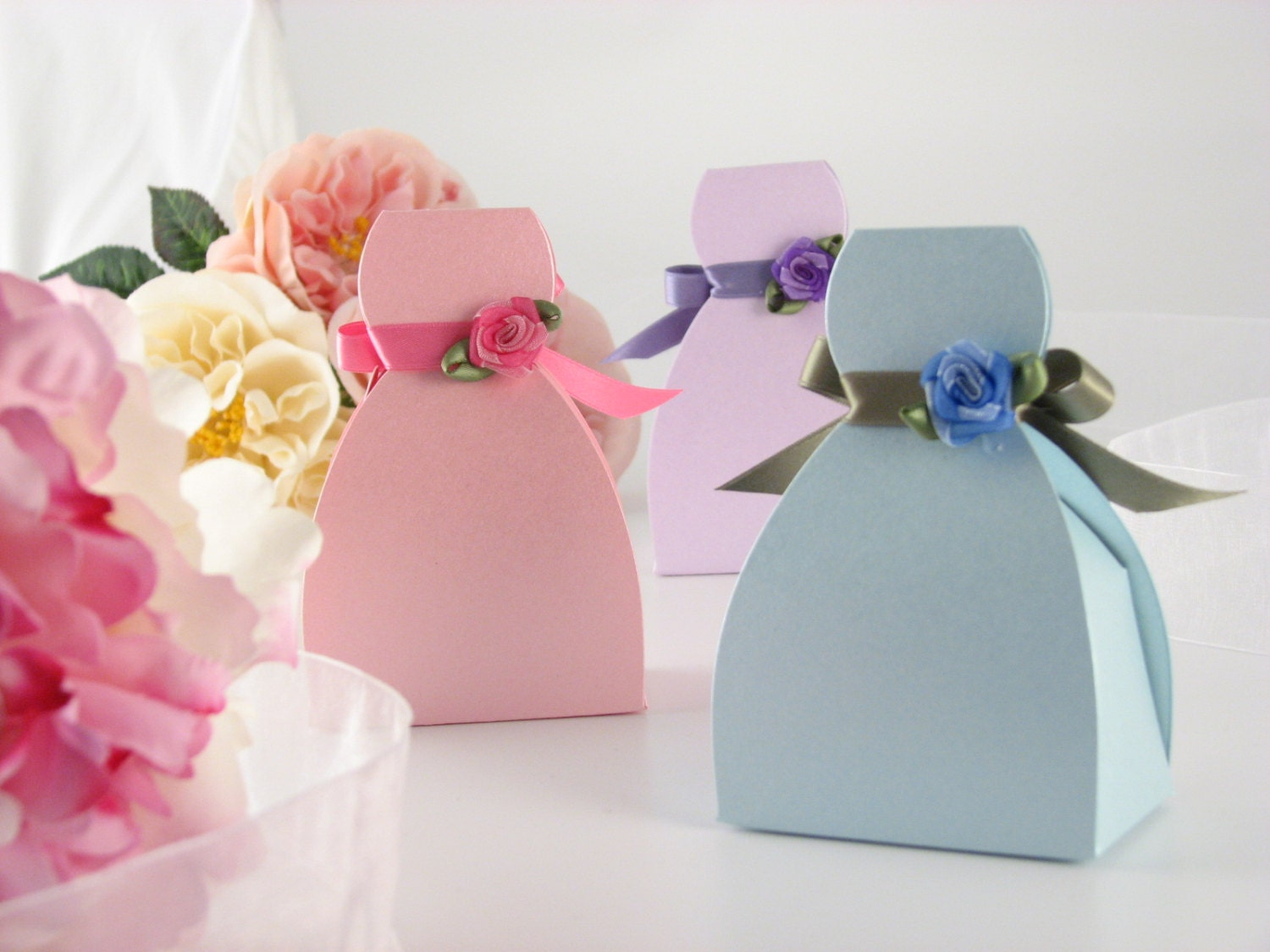 Pink Favor Boxes // Bridesmaid Dress Favor Box // DIY Favor