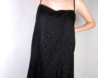 Black lace dress with spaghetti straps vintage from 1960s mod size S - M // sundress // evening wear // cocktail attire