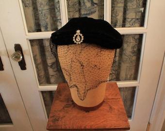 Vintage 1950's Turban Style Pillbox Hat