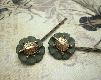 Turtle Bobby Pins, Button Hair Pins, Woodland Hair Pins, Woodland Animal, Bohemian, Boho Hair Pins, Green, Nature, Vintage Buttons