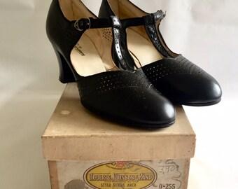 Vintage Antique 1920s Roberts, Johnson & Rand Women's Black Leather T-Strap Pumps 6-6.5 N Deadstock