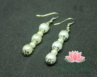 Drop pearl earrings Minimalist pearl earrings White pearl earrings Wedding earrings Bride earrings Wedding jewelry Bride jewelry Bride pearl