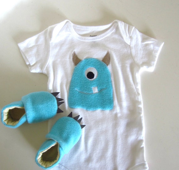 Baby Blue Bathroom Set: Baby Blue Fuzzy Monster Baby Shower Gift Set