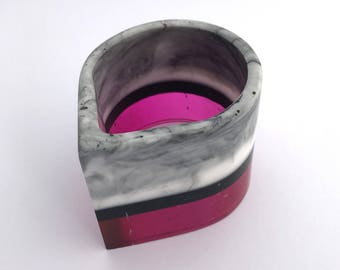 Tear shaped pink grey and marble effect resin bangle - wide