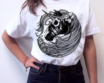 T-shirt unisex handprinted Unircorn's not dead white edition